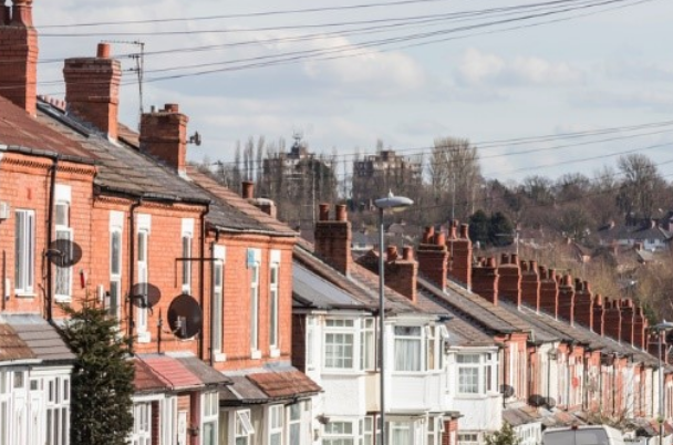 House price difference between first and second rung increases by 141%